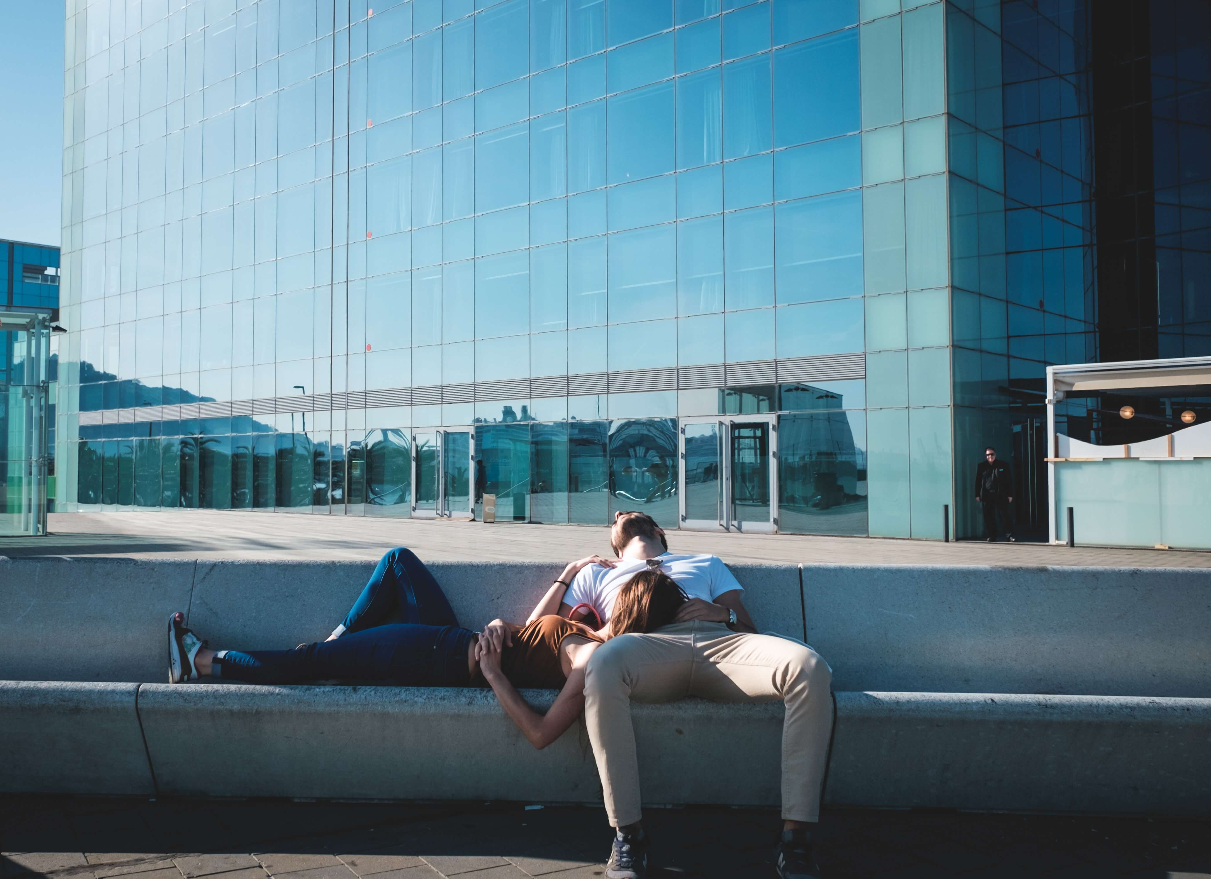 taking a siesta is common when living in spain as an american expat