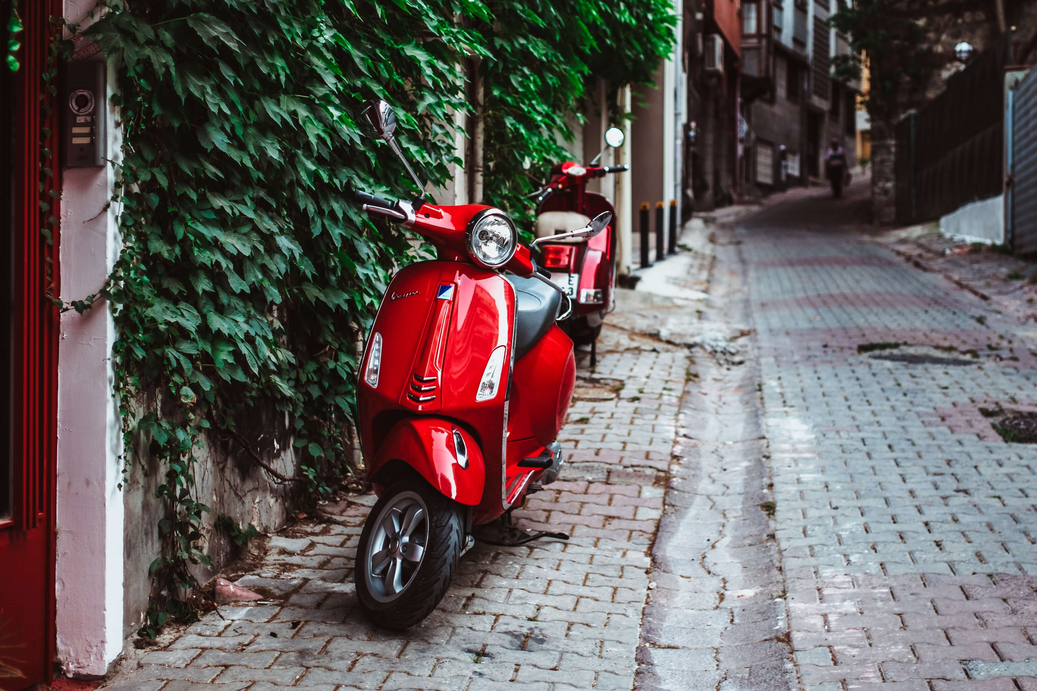 the A2 license for getting a driver's license in spain is for mopeds or scooters