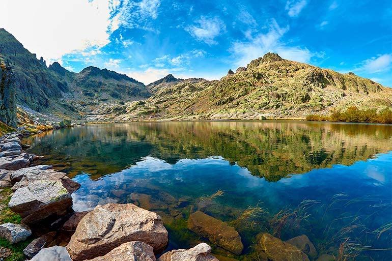climbing in spain in the sierra de gredos mountain range