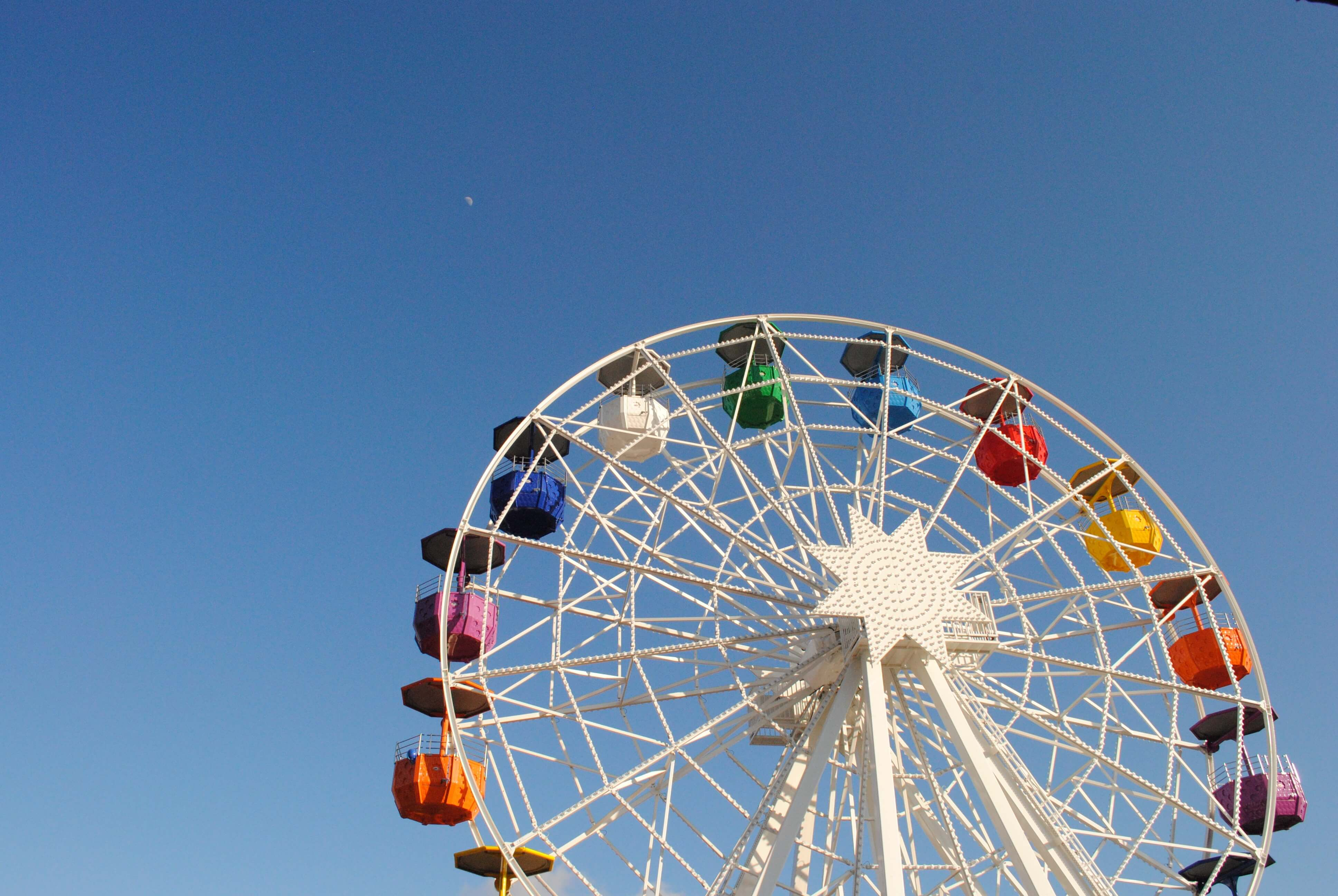 amusement parks are things to do with kids in madrid