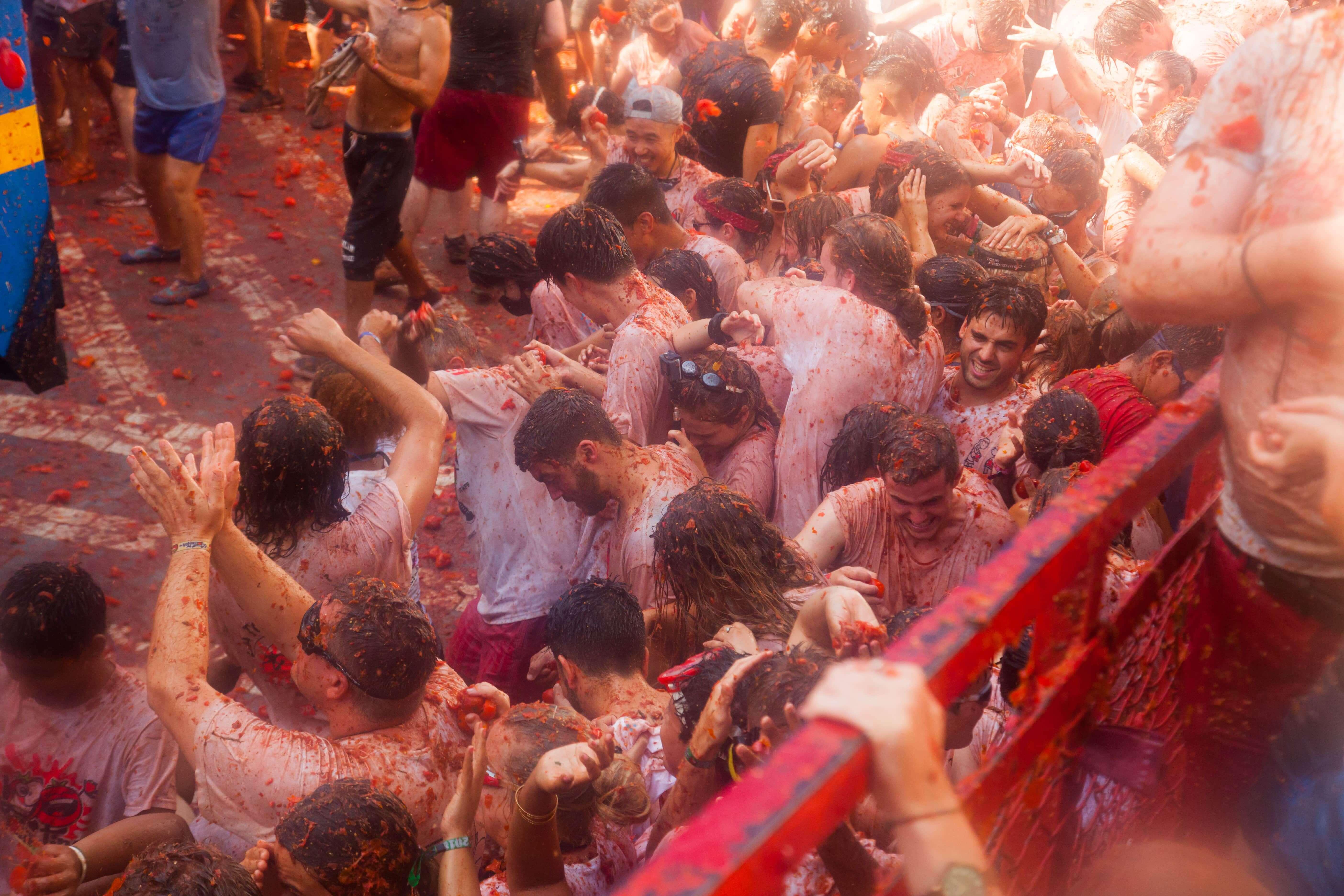 la tomatina valencia spain festival