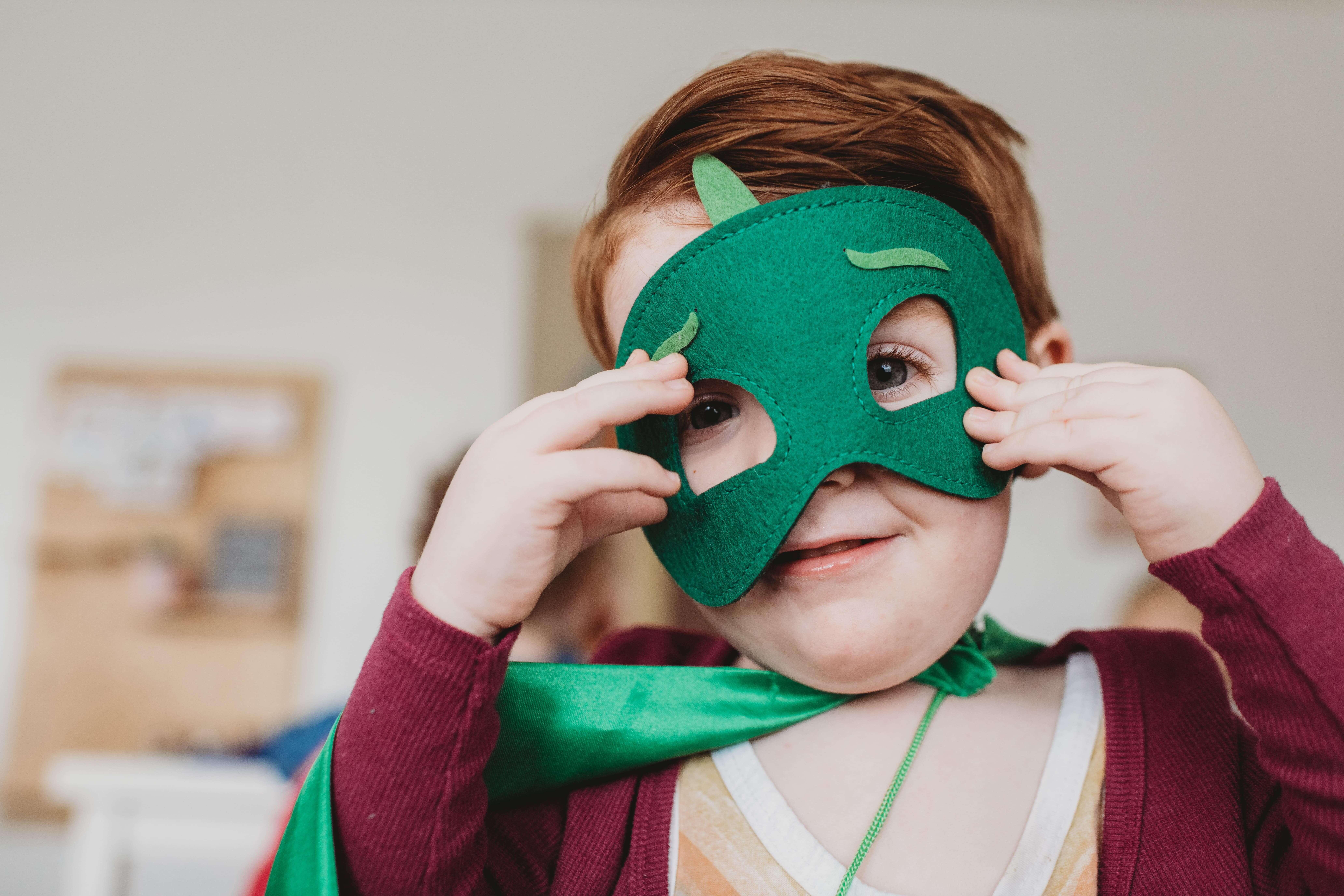 indoor activities for kids includes crafts