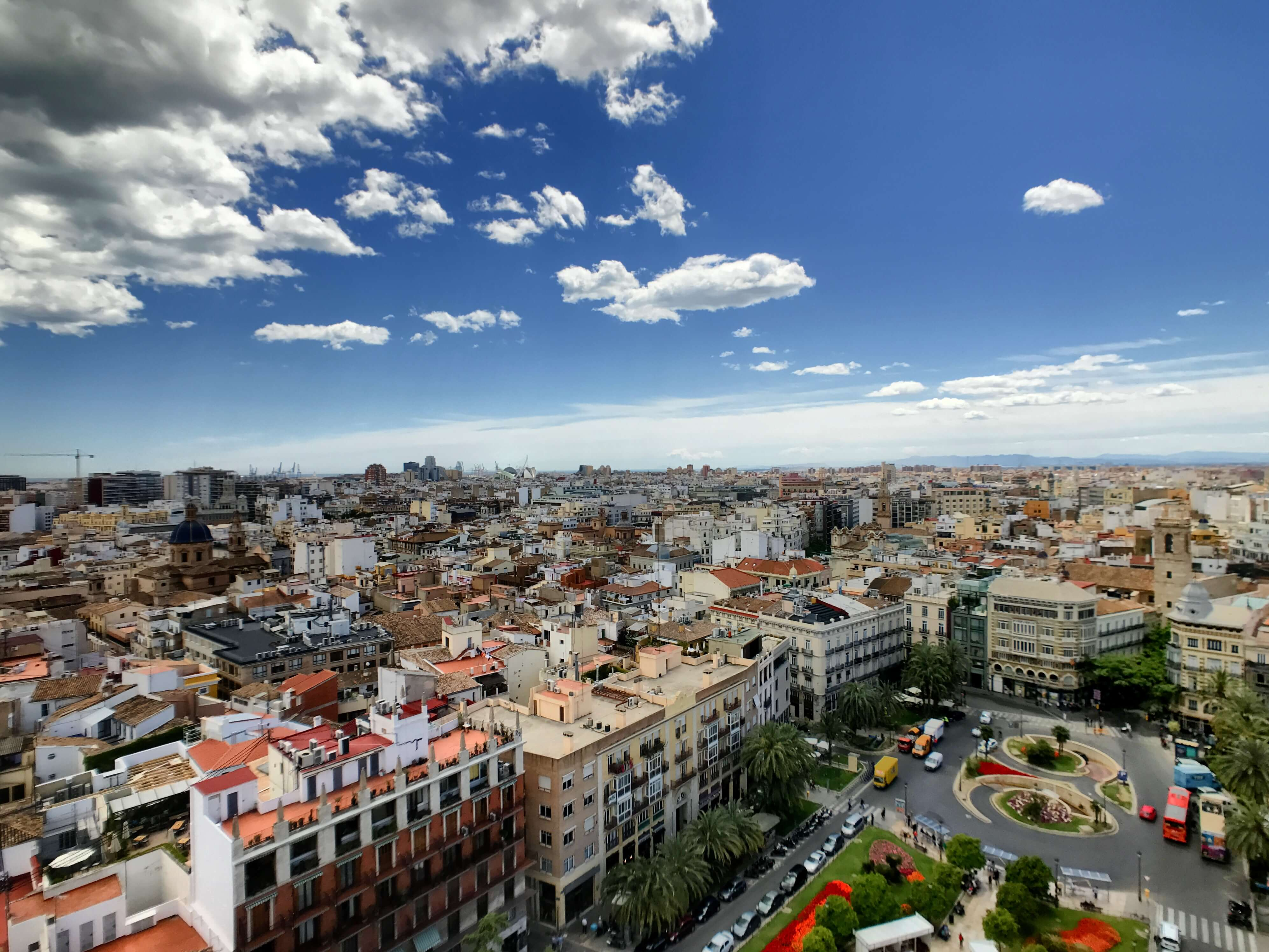 the pros and cons of living in Valencia, Spain can be difficult for northern expats
