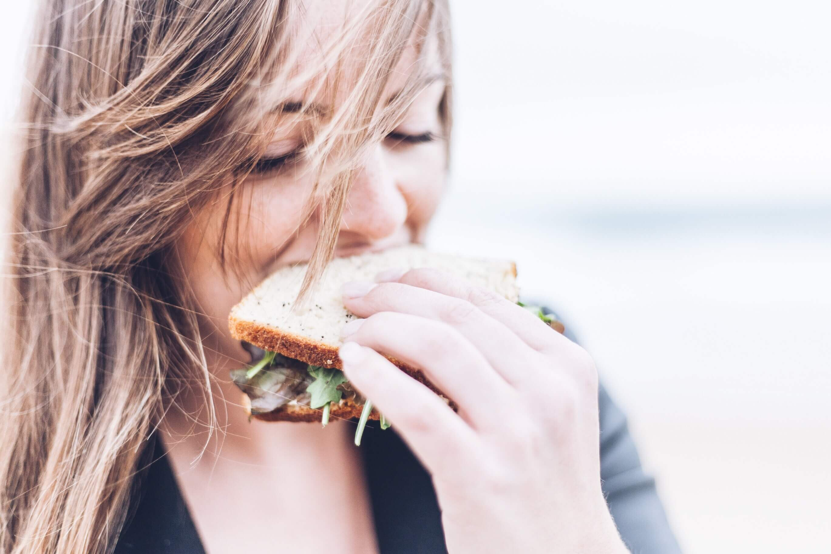 is a sandwich part of the mediterranean diet plan? if it contains cheese, it could be