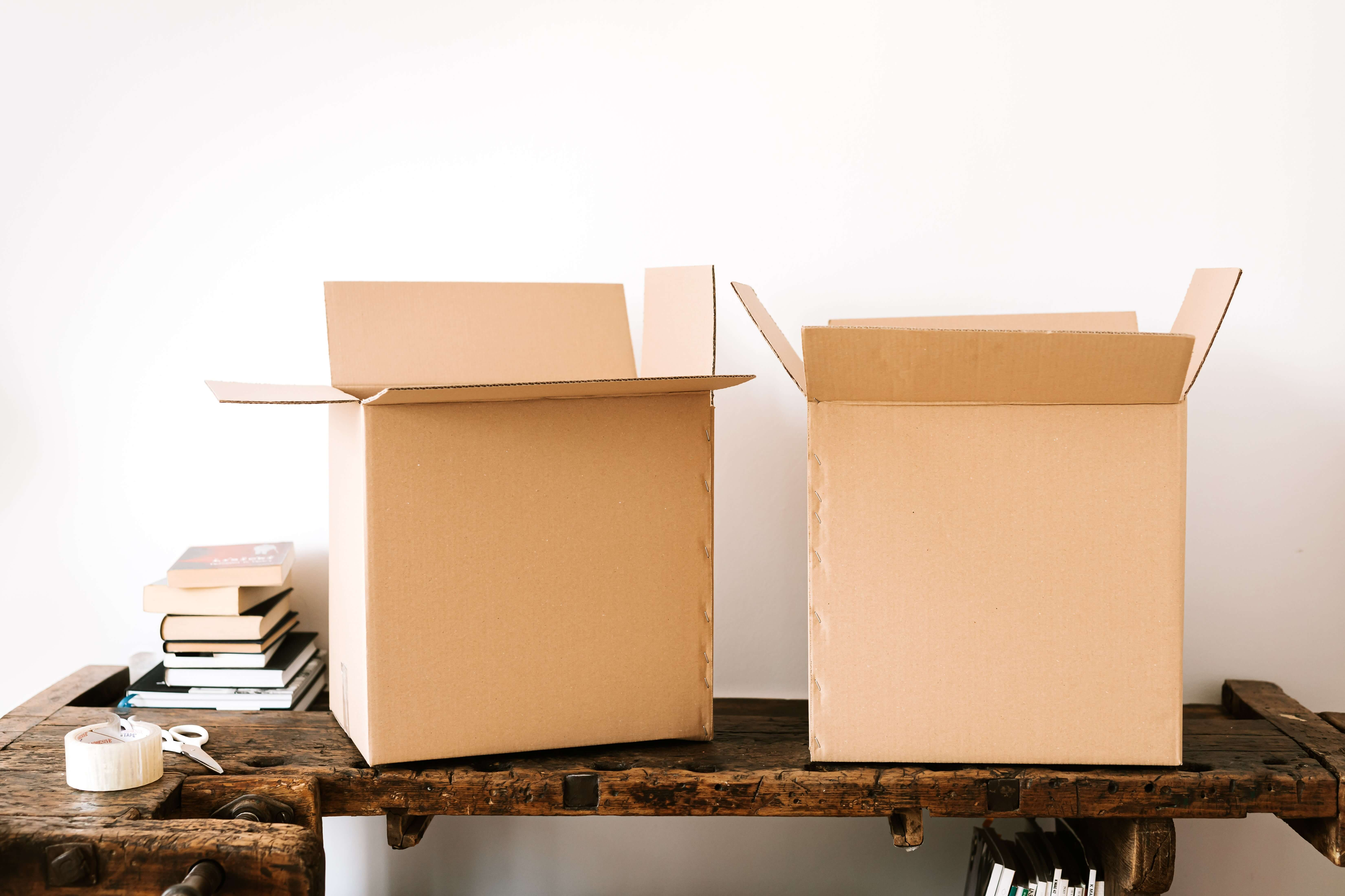 boxes for moving furniture to spain